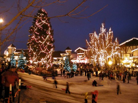 http://www.theodoresworld.net/pcfreezone/ChristmasLightsImage2.jpg