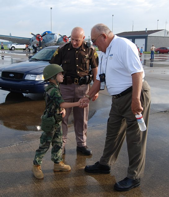 1f7d221c4b Paratrooper-in-training John Michael, 7, Turns Out To Watch 82nd Airborne  Paratroopers Arrive in Indy